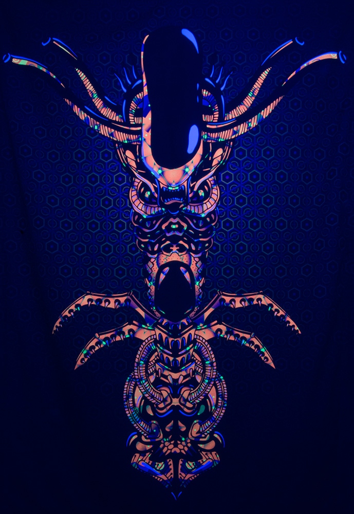 Magic Alien Totem Psychedelic Trippy UV-reactive Fluorescent Backdrop