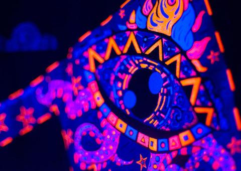 Drop Acid Not Bombs UV light