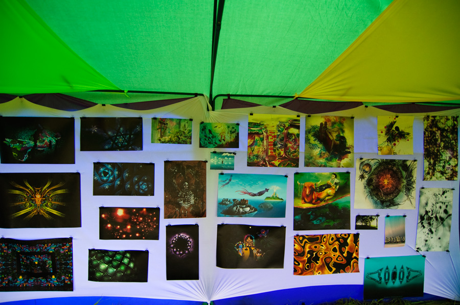 Psychedelic art exhibition on Pustye Holmy 2011
