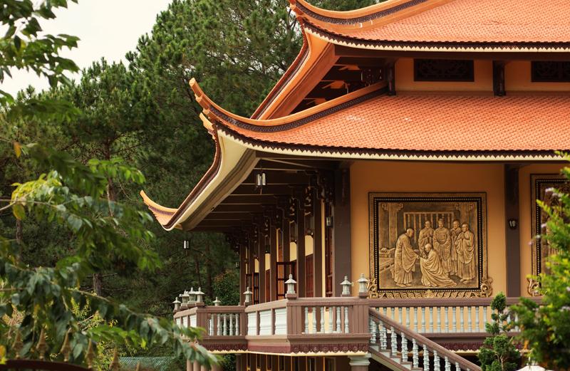 Cap Treo Da Lat BUddhist temple in Vietnam