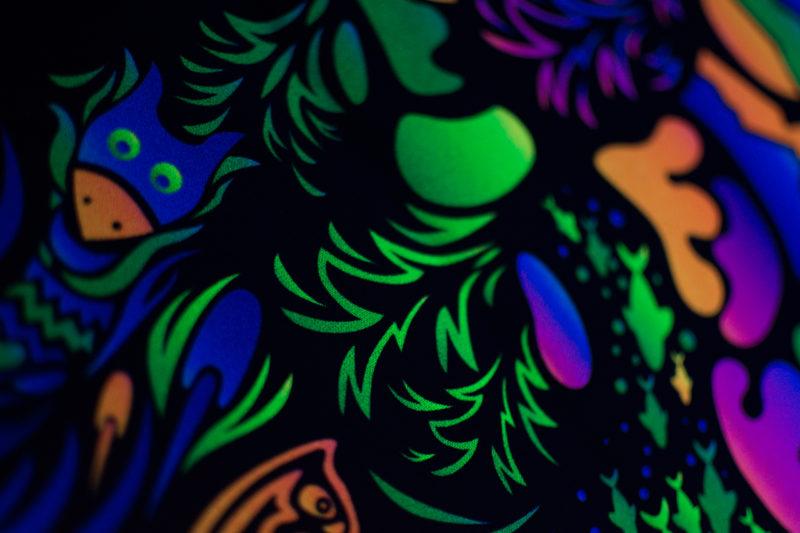 Trippy TV Psychedelic Fluorescent Backdrop UV Tapestry Blacklight Poster UV Details