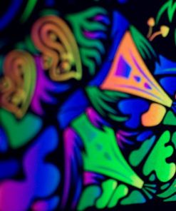 Trippy TV Psychedelic Fluorescent Backdrop UV Tapestry Blacklight Poster UV Details