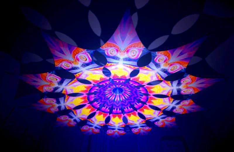 Frozen Corals - Demon - Psychedelic UV-Reactive Canopy - 12 Petals Set