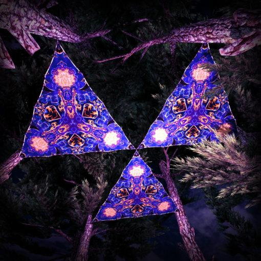 Magic Mushroom Werewolves UV-Triangles - TR01 - 3 Pieces - UV-Reactive Psychedelic Party Decoration - 3D Preview