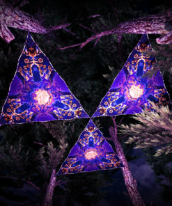 Magic Mushroom Werewolves UV-Triangles - TR02 - 3 Pieces - UV-Reactive Psychedelic Party Decoration - 3D Preview