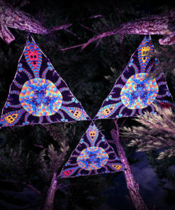 Cyber Venus UV-Triangles - TR02 - 3 Pieces - UV-Reactive Psychedelic Party Decoration - 3D Preview