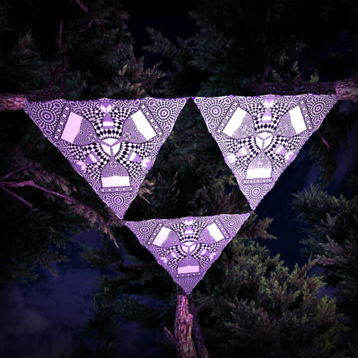 Melting Time Black&White-Triangles - TR01 - 3 Pieces - B&W-Reactive Psychedelic Party Decoration - 3D Preview